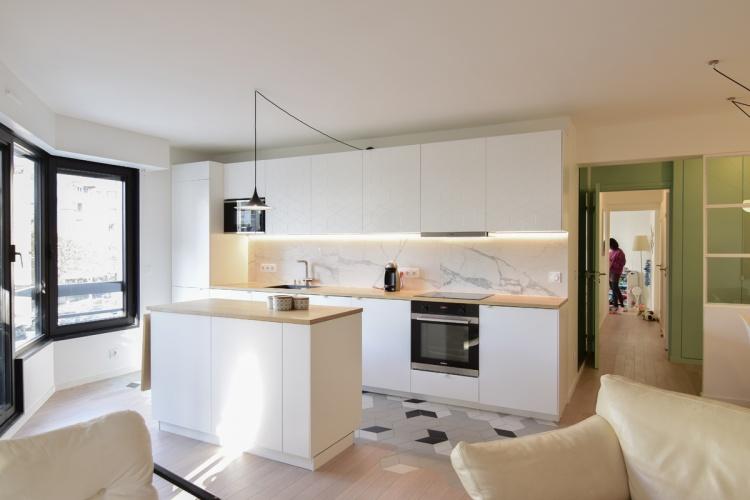 GALLIENI : architecte-renovation-cuisine-ilot-central-AREA-Studio
