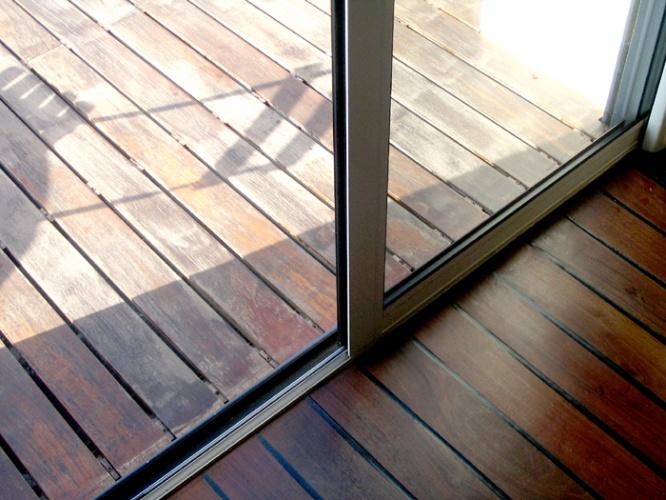 Parquet interieur exterieur tendance d co tuiles c ramiques for Protection carrelage exterieur