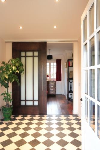 Villa de Maîstre : porte coulissante entrée