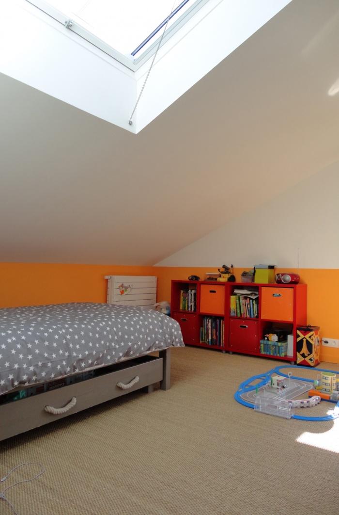 Extension et restructuration d'une maison de ville, Bois Colombes : 10-Bois Colombes-chambre orange.jpg