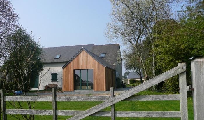 transformation d 39 une grange en habitation bretteville. Black Bedroom Furniture Sets. Home Design Ideas