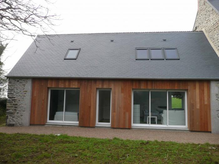Rénovation d'une maison de pays en pierre et de sa dépendance : après travaux