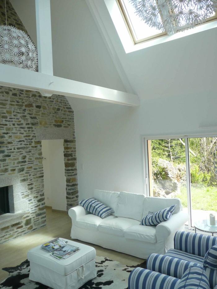Rénovation d'une maison de pays en pierre et de sa dépendance : H65 web P1100918.jpg