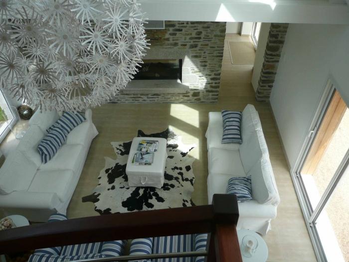 Rénovation d'une maison de pays en pierre et de sa dépendance