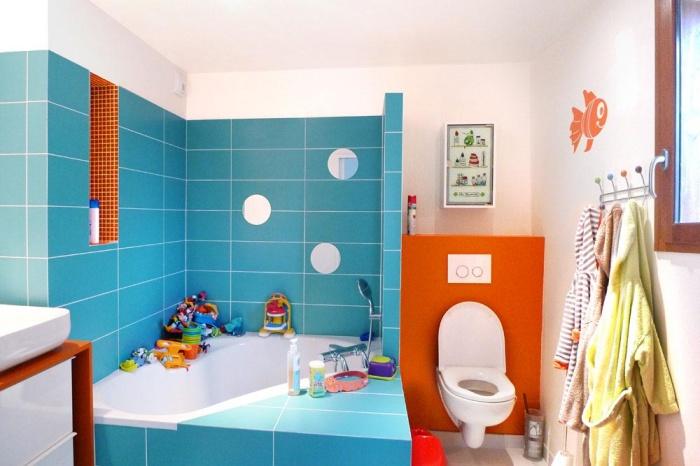 Maison sur le Pont (94) : La salle de bain des enfants