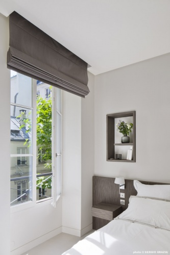 Appartement contemporain à Saint Germain des Prés : Chambre parentale