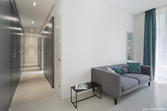 Appartement contemporain à Saint Germain des Prés : Circulation vers chambres
