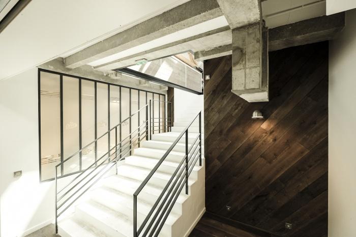 Aménagent du nouveau siège social d'une agence de Design Global : cage escalier 2