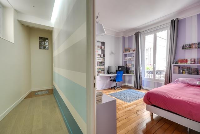 Appartement Paris 9 : Poissonnières-chambre2.jpg