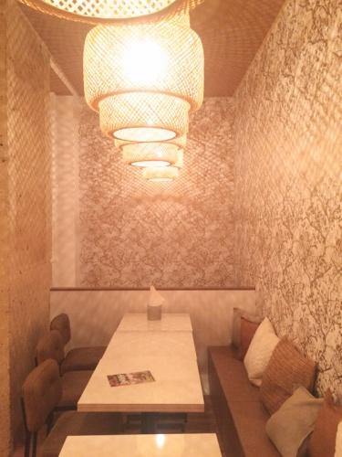 Restaurant_Nous Paris 9e : nous_tables estrade