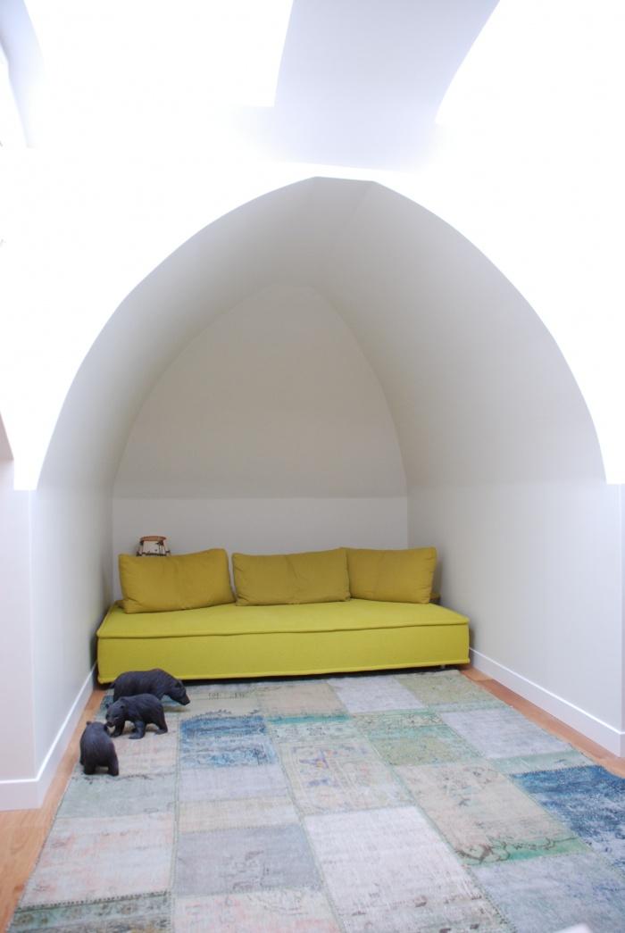 Appartement Avenue de Ségur : petit salon sous les toits